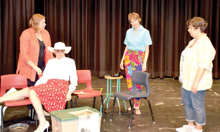 {The Odd Couple's female version coming to Aylmer audiences}