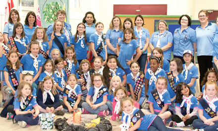 {Aylmer's Girl Guides make their advance}